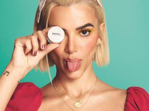Marca anuncia rebranding em linha de maquiagem e conta com Manu Gavassi em lançamento