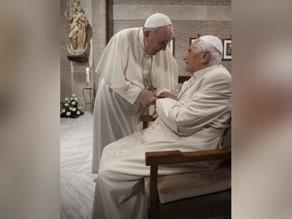 Papa Francisco e Emérito são vacinados contra a Covid 19
