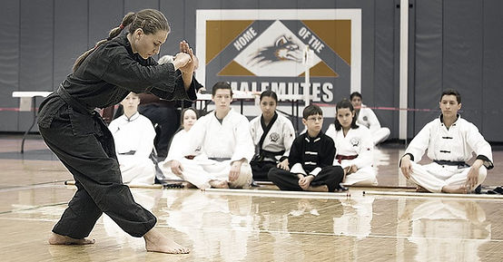 Photo of karate student bowing
