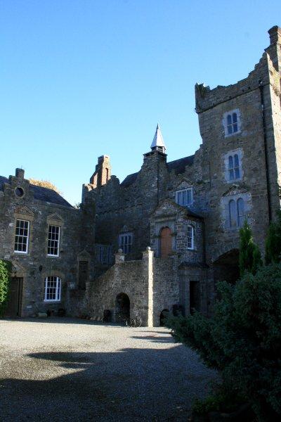 castle+courtyard3.jpg