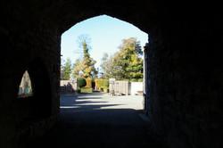 castle+courtyard+from+gate.jpg