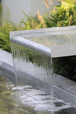 Modern waterelement