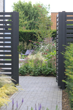 Moderne tuinpoort