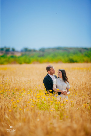 Bride & Groom in Israeli Field
