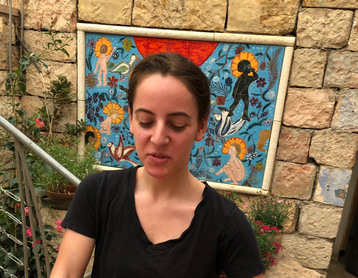 Serving salads at Harp of David