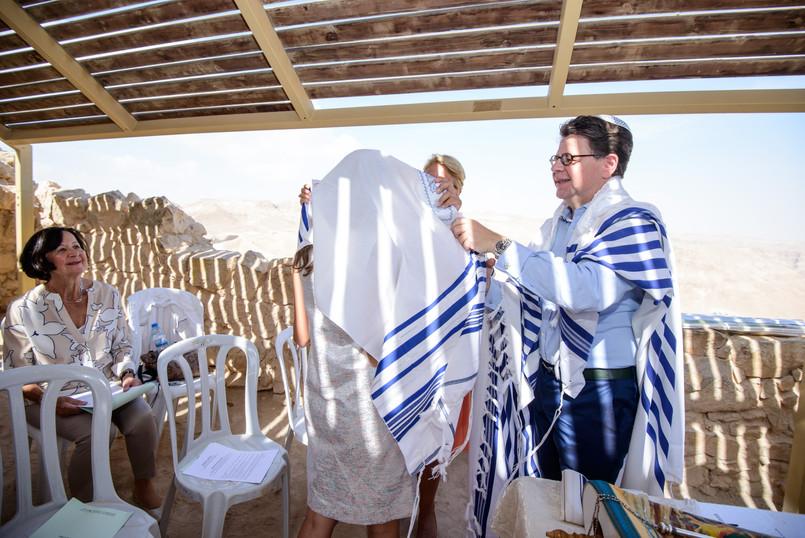 Bnot Mitzvah Girl & Tallit in Masada Ceremony