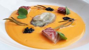 Salmorejo con anguila ahumada, hinojo marino y ostra by Bruno Lombán, chef de Quince Nudos