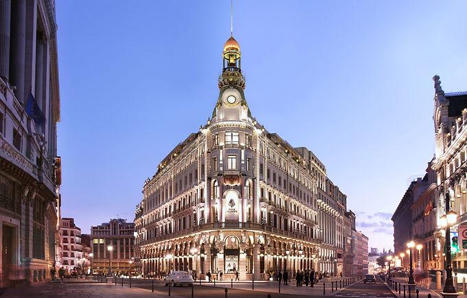 Four Seasons Madrid (50 mejores hoteles)