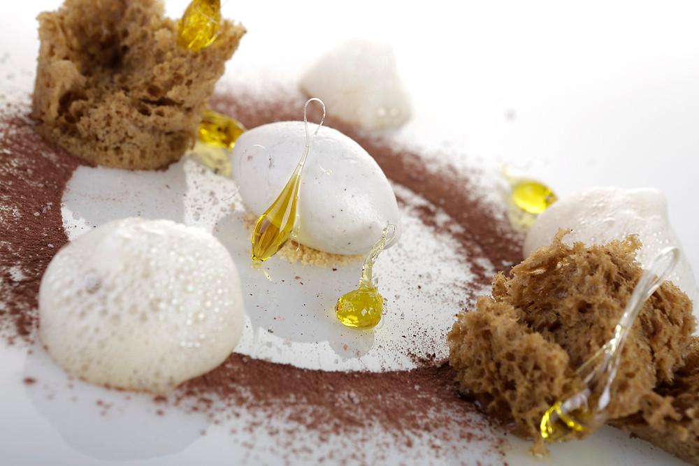 Postre de aceite, sal, vinagre y pimienta (Les Moles) - GastroMadrid