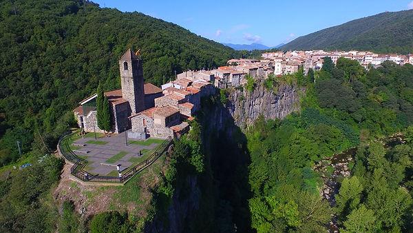 Castellfollit_de_la_Roca_(Pueblos_más_bo