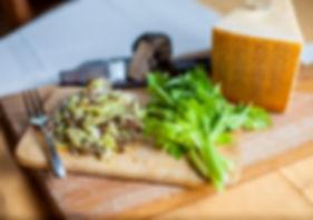 Ensalada apio, Parmigiano y Trufa negra.