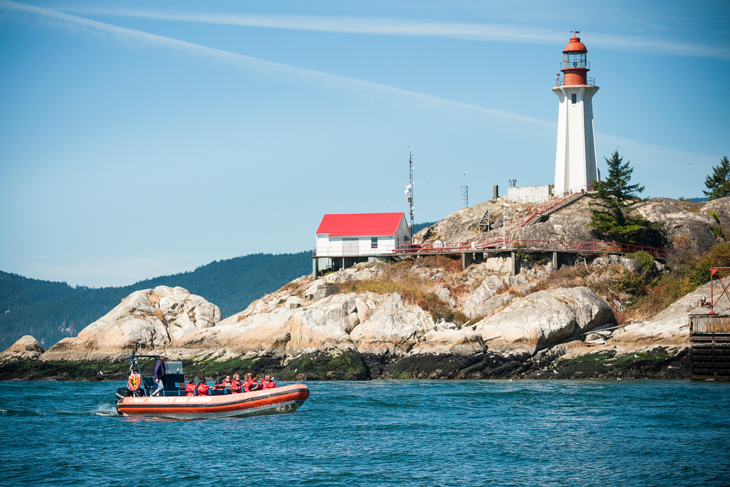 Sea Safari tour taking in the Pt. Atkinson Lighthouse at the entrance to Vancouver Harbour