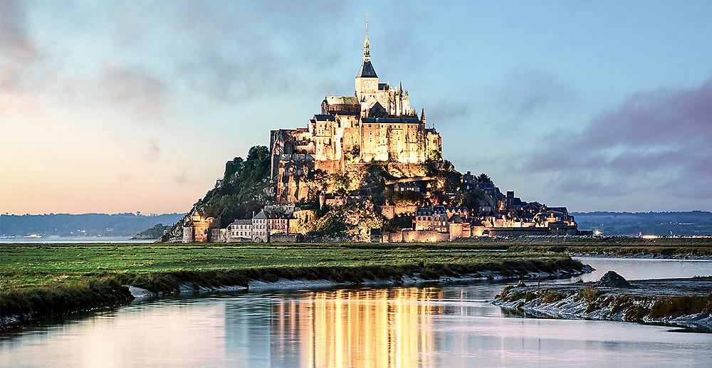 tte28_lind_shut_92438977_mont-saint-michel-at-sunset-france