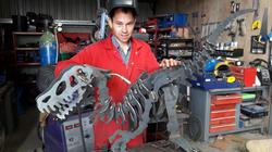 Rusty Rooster -Steve building Raptor