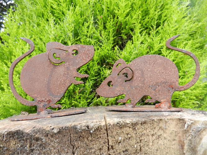 Cute mice pair