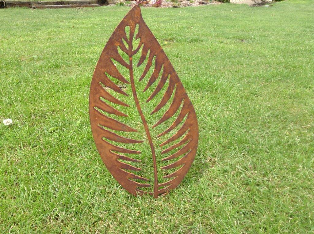 Rusty Metal Leaf Garden Sculpture