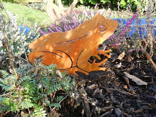 Rusty Metal Garden Frog