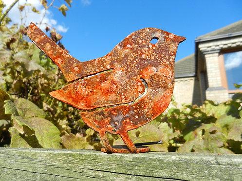 Rusty Metal Bird / Wren Fence Post Topper