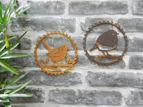 Rusty Metal Robin / Wren Wall Decor
