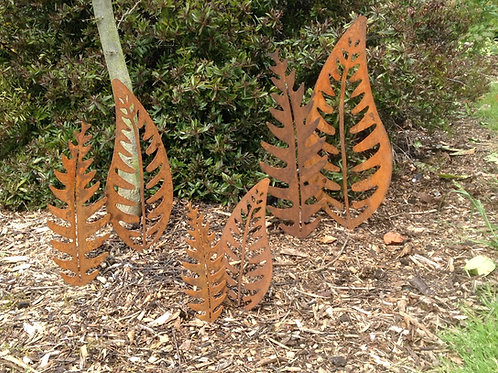 Rusty Metal Leaf Garden Decor LARGE