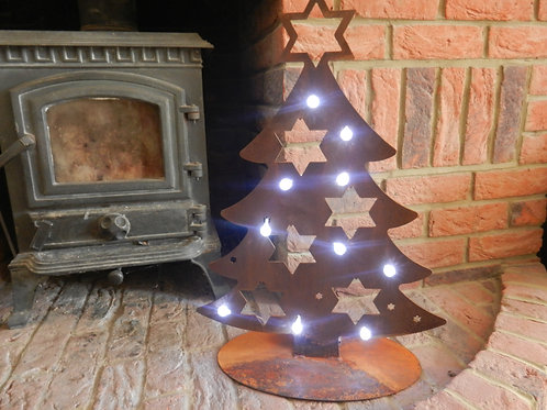 Rustic Metal Christmas Tree - Home Decor