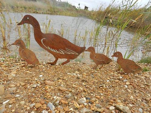 Rusty Metal Duck Family
