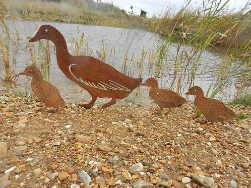 Rusty Metal Duck Family