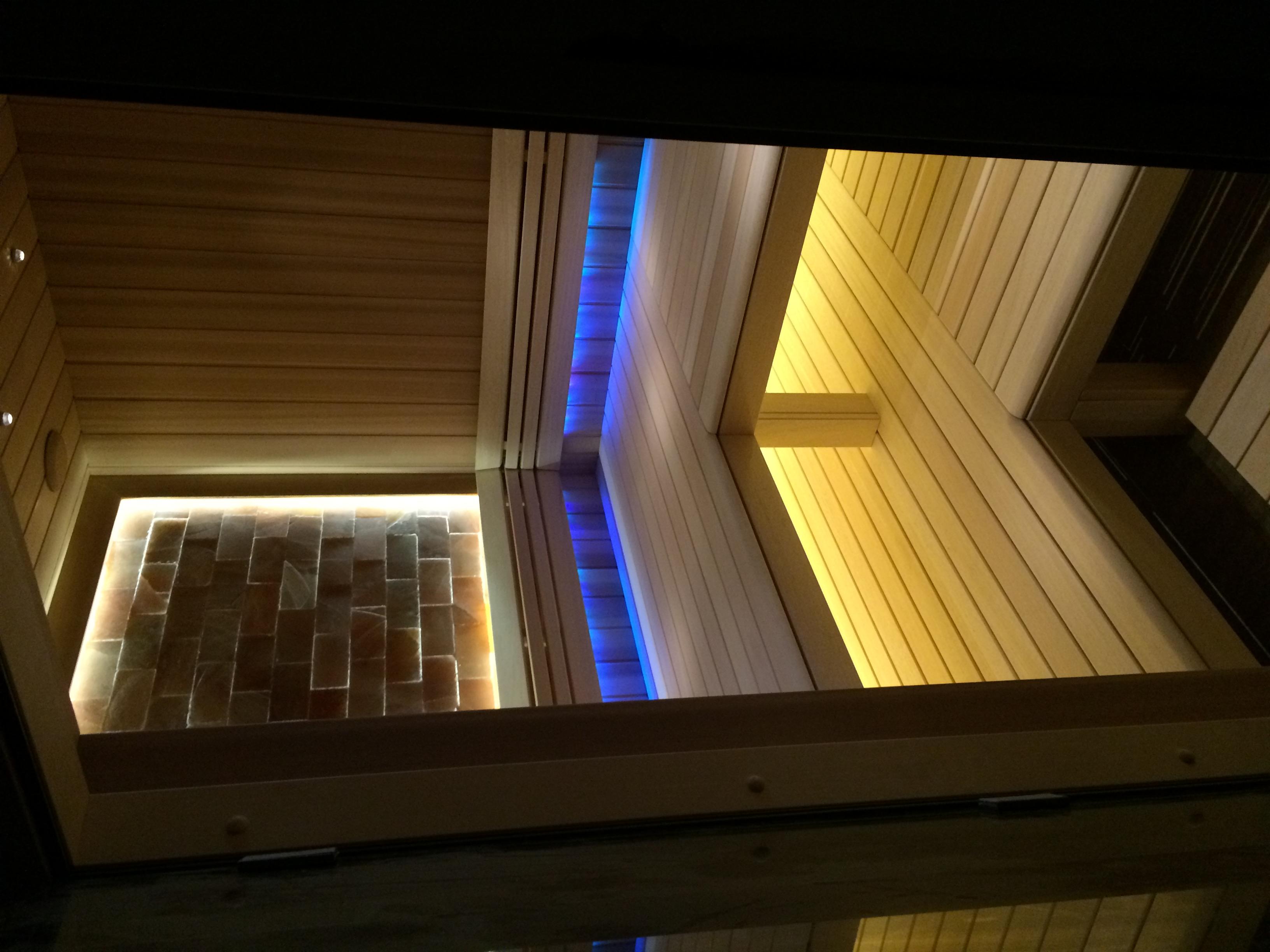 Сауна с подсветкой