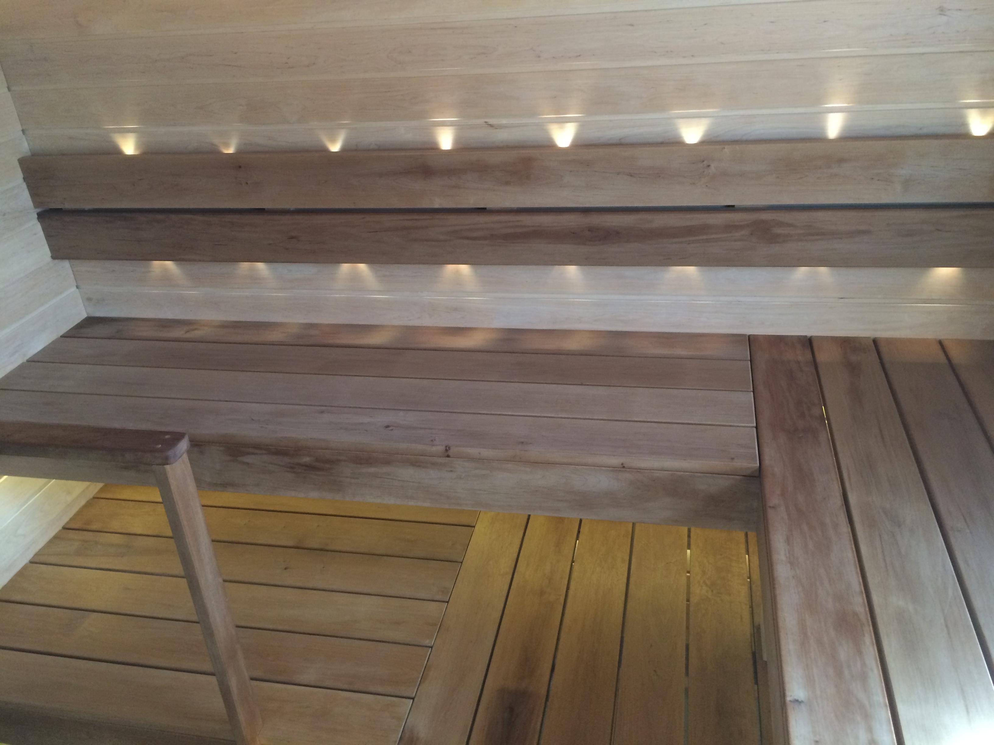 Полки в бане с подсветкой