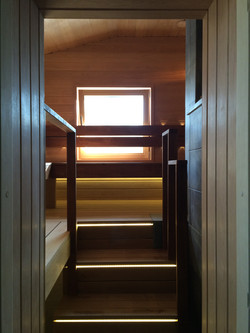 Вход в парную и лестница