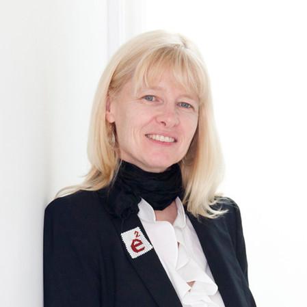 Dr. Fiona Sampson, Canada