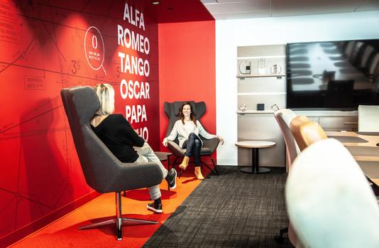 Artopex Granby - Head office by Luc Plante architecture + design Photo credit: Francis Di Salvio / F6foto