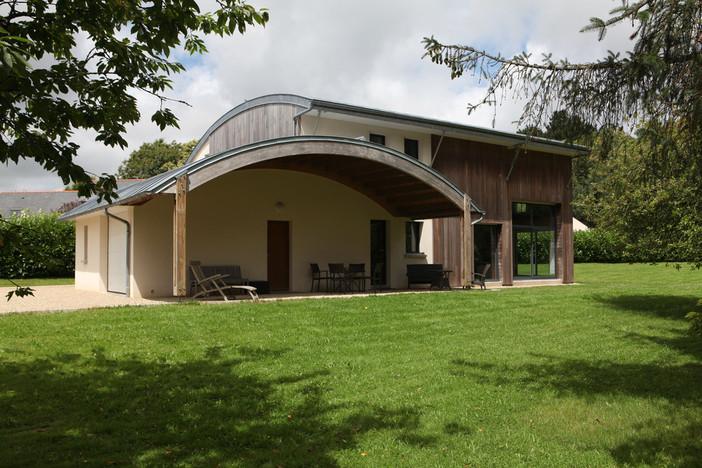 A BIOCLIMATIC HOUSE-Patrice Bideau, architect
