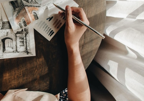 10 tips to sketch like an architect - Technique to hold a pencil