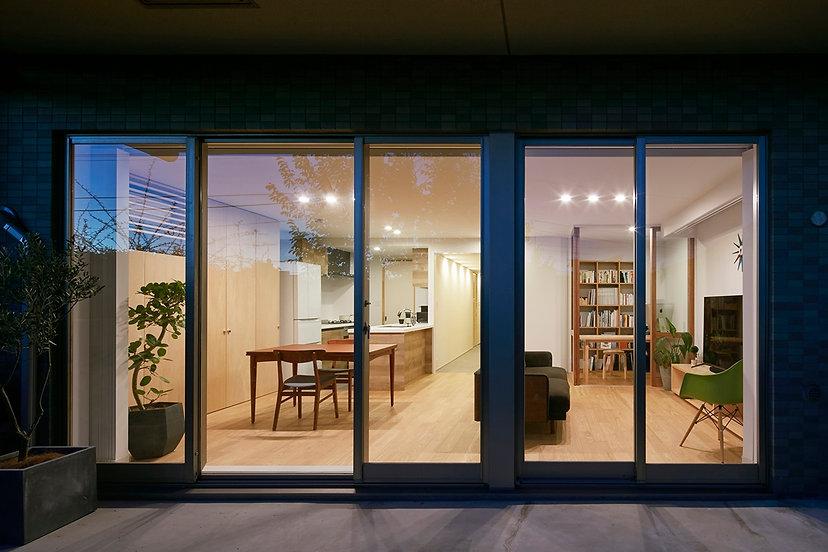 house-with-sliding-doors-masaki-suzuki-architects