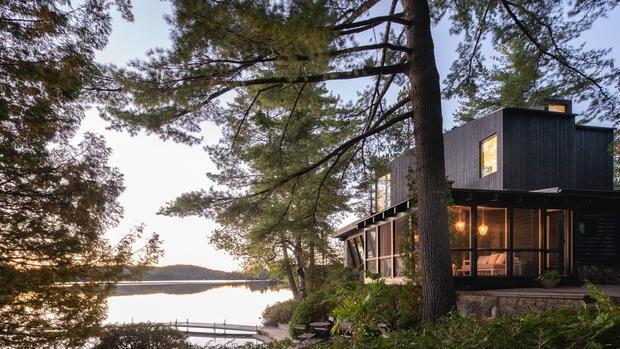 COTTAGE ON THE POINT | Paul Bernier Architecte