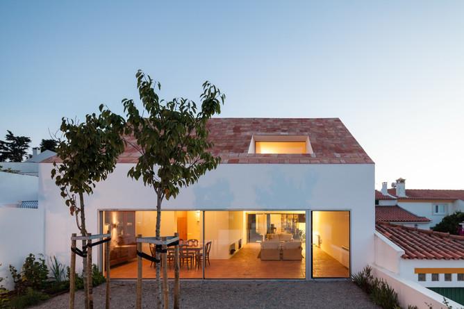 three-courtyard-house-extrastudio