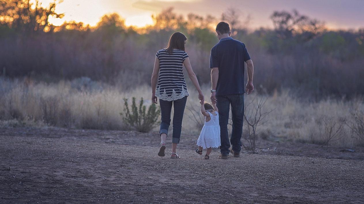 family-2485714.jpg