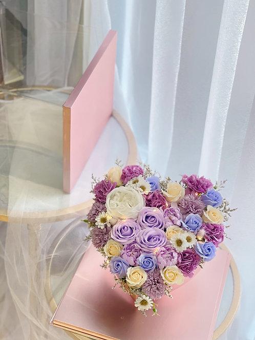 Periwinkle Land - Soap Flower Acrylic Heartshape Box with led