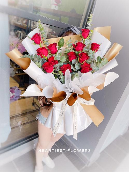 True Love Story - 12 Stalks fresh roses design