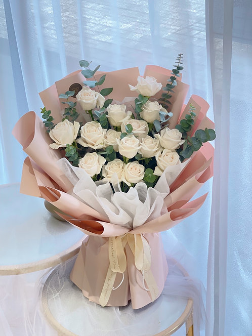 Sandy White - Fresh Flower