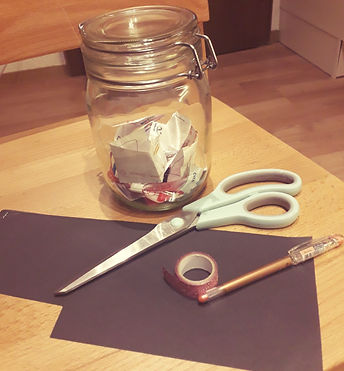 Bastelutensilien Glücksmomente-Glas.jpeg