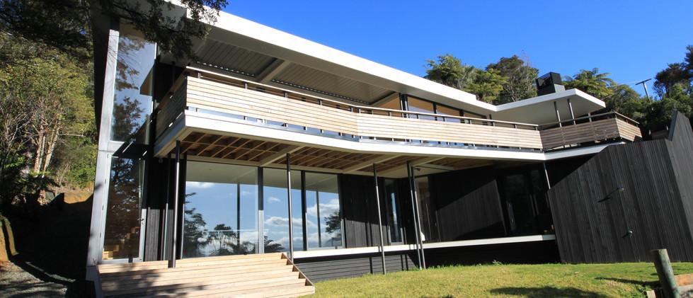 Moetapu Bay House