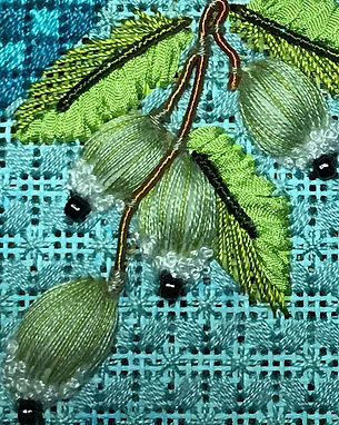 Green Berry Vine detail.jpg