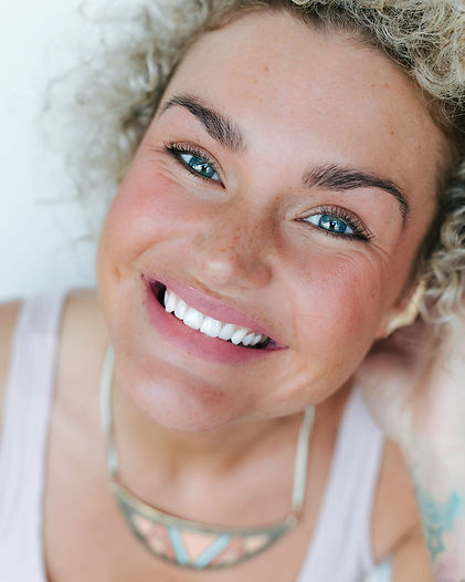 Beautiful Bright Smile teeth whitening treatments and at home teeth whitening products.