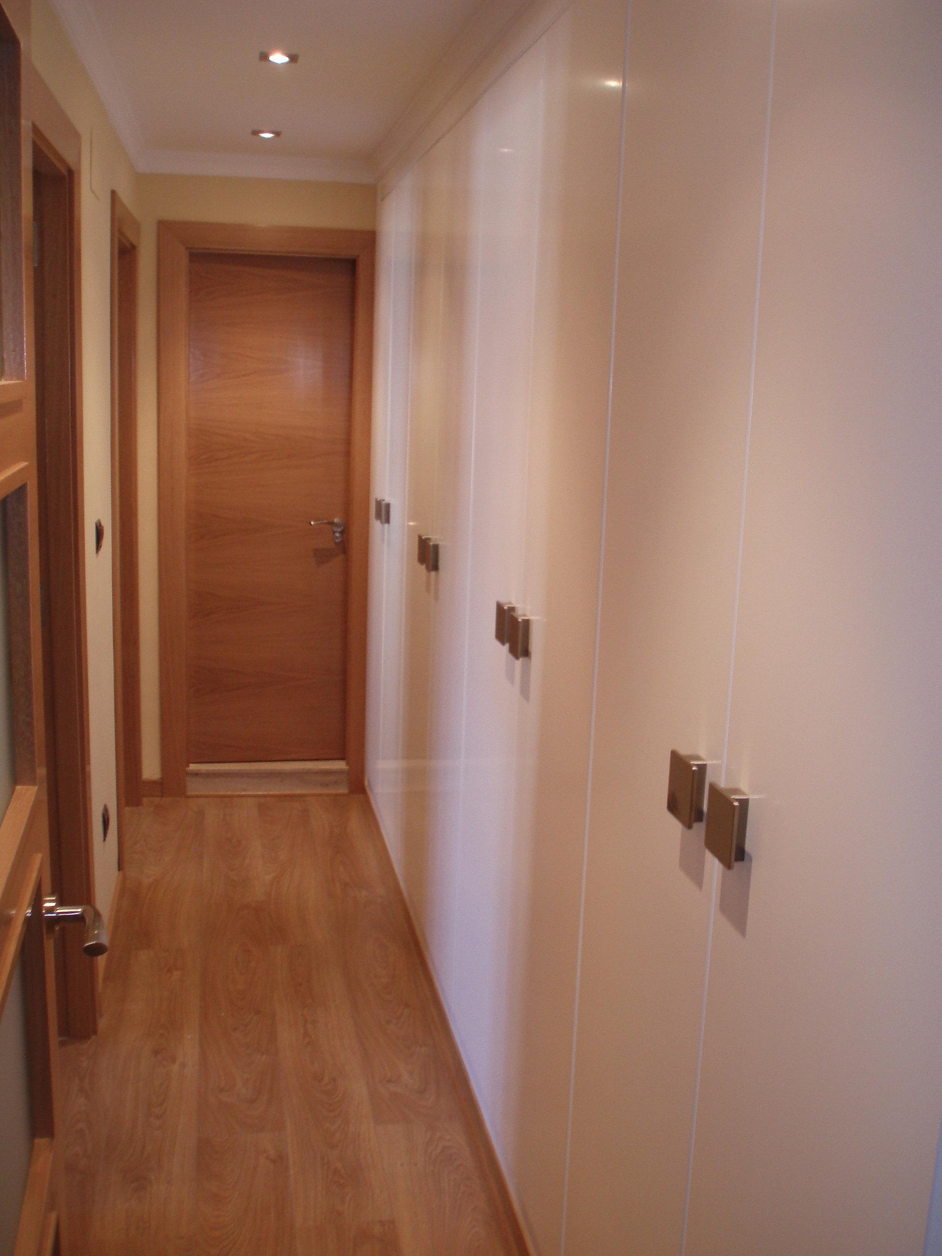 Kubo armarios empotrados en asturias muebles a medida en - Armarios para pasillos ...