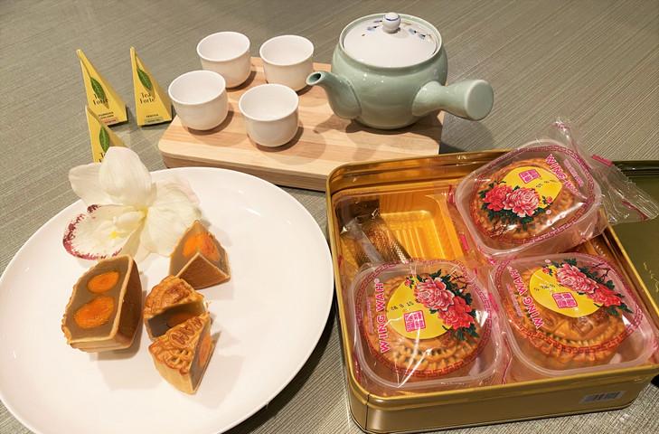 MOON CAKE FROM HONG KONG