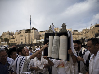 THE SANHEDRIN PREPARE TO KILL CHRISTIANS