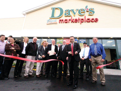 Dave's branches out to Pontiac for 10th store