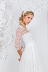Beim Kollektions-Shooting 2017 für das Brautmodengeschäft La Robe Marie aus München durfte ich verschiedene Looks stylen, hier sollte die verspielte Jungendlichkeit wiedergegeben werden  Foto: Barbara Meyer-Selinger Model: Julie March